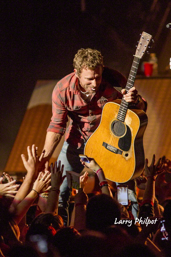 Dierks Bentley Sounds Of Summer Tour 2015 Onstage