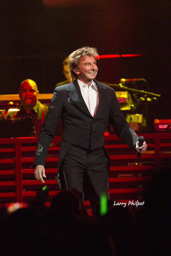 Photos: Manilow In Indianapolis
