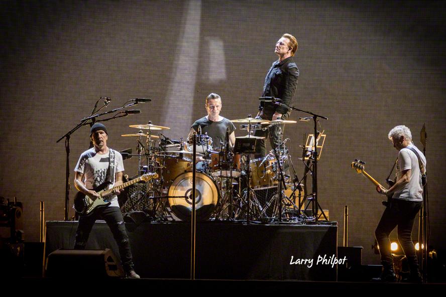 U2 in Louisville, Reviewed – OnStage Magazine com